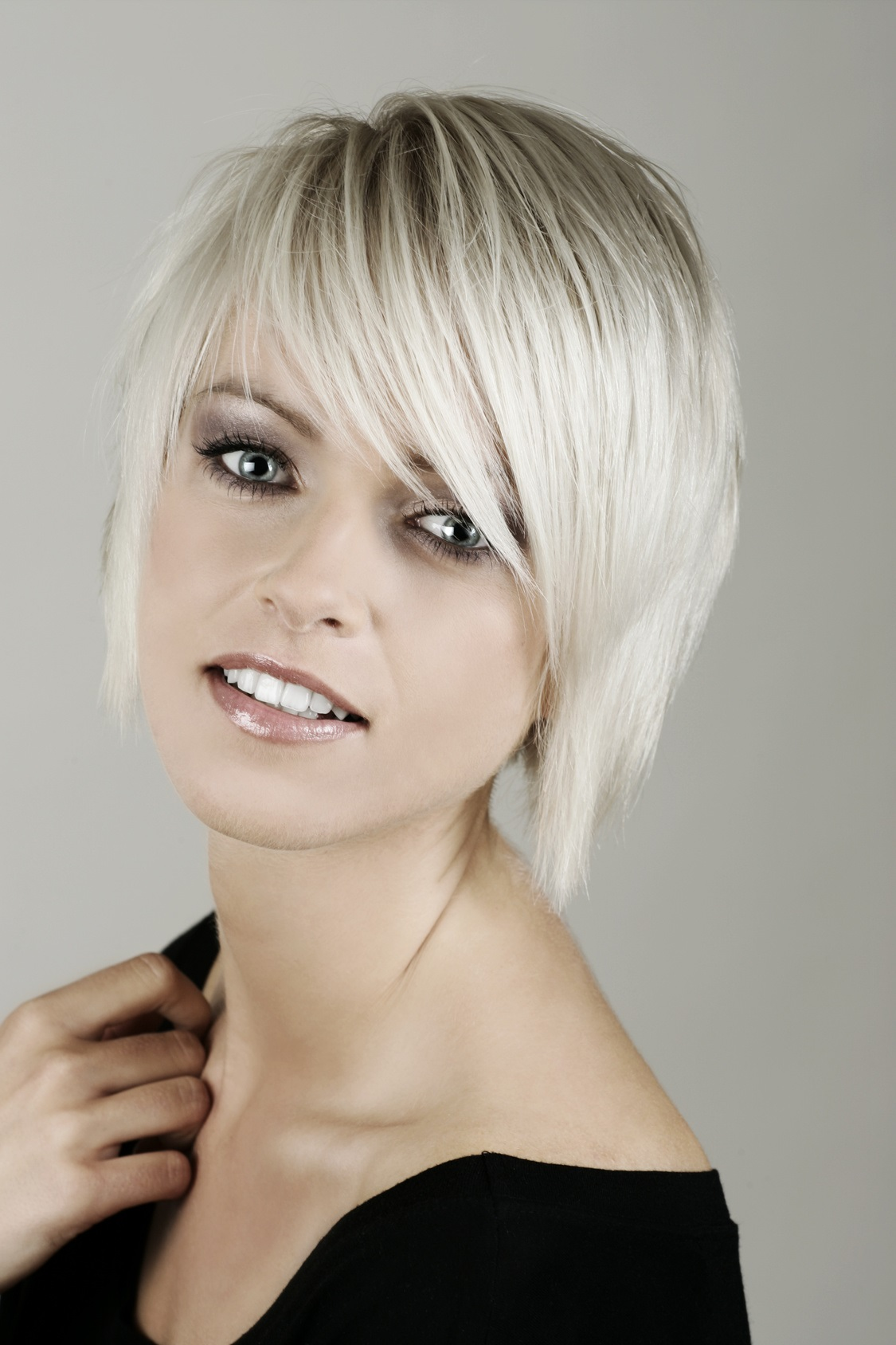 Coloration de cheveux platine